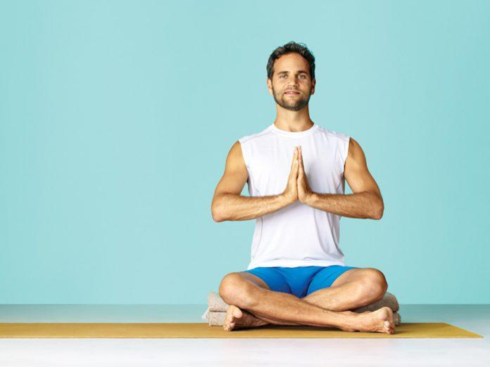 So easy sind Yoga Übungen im Sitzen   ASANAYOGA.DE