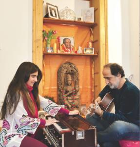 Satyaas und Paris Hausaltar