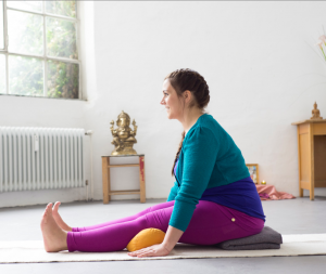 yoga_für_kurvige_1