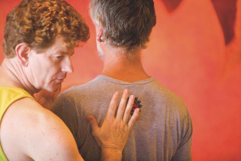 """Doug Keller: """"Yogatherapie muss einfach und genussvoll sein!"""""""
