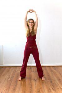 Detox und Yoga: Tiryaka Tadasana