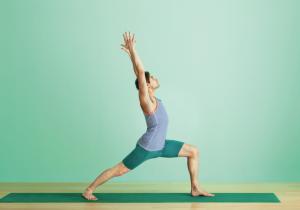 Virabhadrasana_krieger_eins_yoga_journal