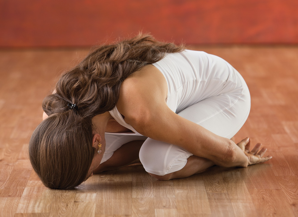 11 Kundalini-Übungen für den Neustart - Yoga World - Home of Yoga ...