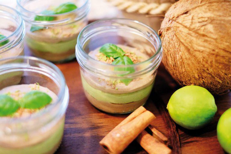 Veganer Rohkostkuchen im Glas