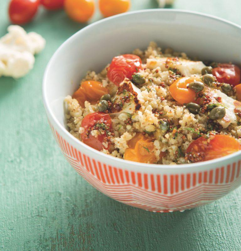 Blumenkohl-Couscous mit Käse und Tomaten