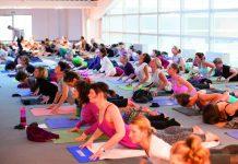 Yogaklasse auf der YogaWorld