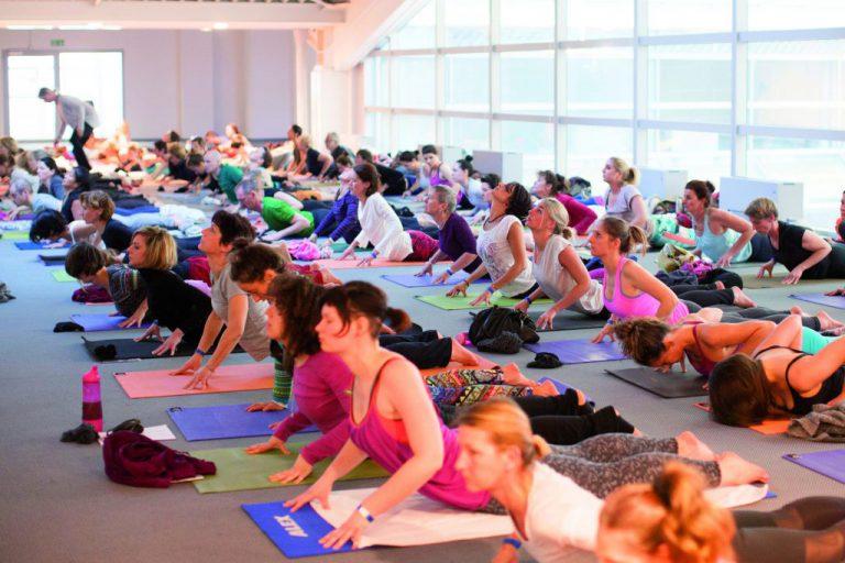 Volle Kraft voraus: YOGA JOURNAL und YogaWorld vertiefen Zusammenarbeit