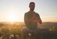 Meditierender Mann_Till Heeg