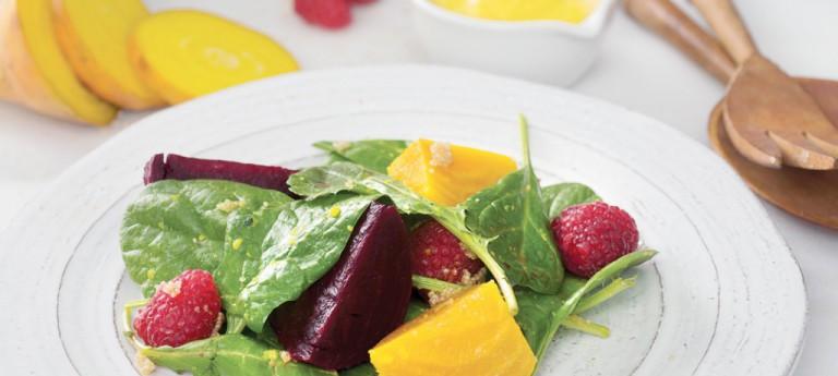 Himbeer-Rote-Bete-Salat mit Mango-Kurkuma-Dressing