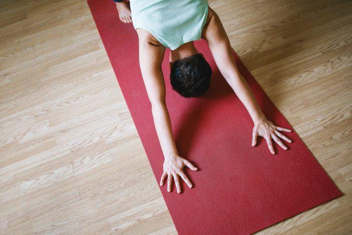 Dr. Ronald Steiner: Gut für die Schultern III - Yoga World - Home of ...
