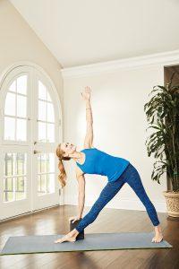 Trikonasana Yogaworld