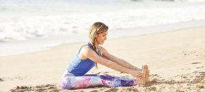 sitzende Vorwärtsbeuge Strand Yogaworld