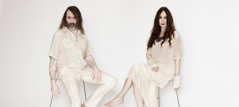 Interview: Alexander Hacke und Danielle de Picciotto