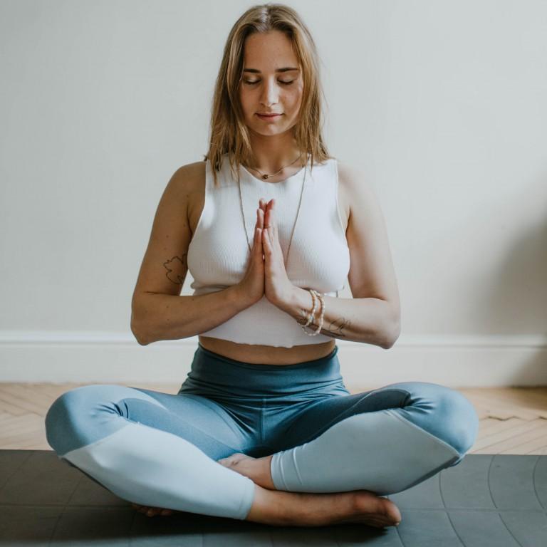 Yogalehrer im Inneren von Mark Stephens