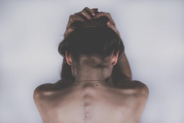 10 Asanas gegen Kopfschmerzen