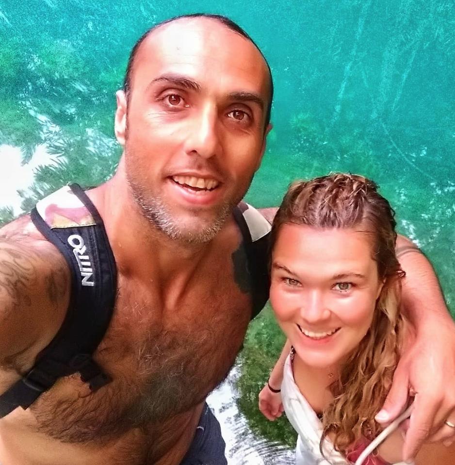 """Isabel und Adnan. Gründer von """"Life Aquatic"""" Yoga und Freedving Schule"""
