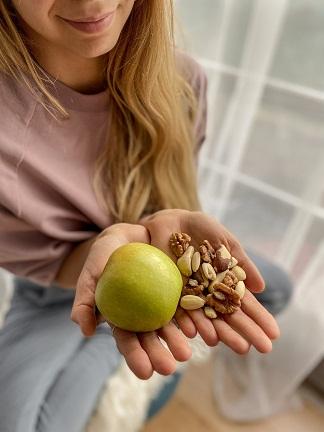 Nüsse und Apfel Ernährung