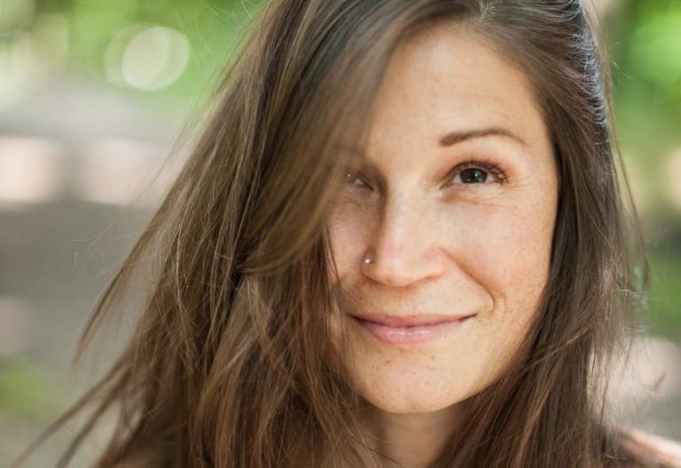 Yogalehrerin Flora Fink im Interview