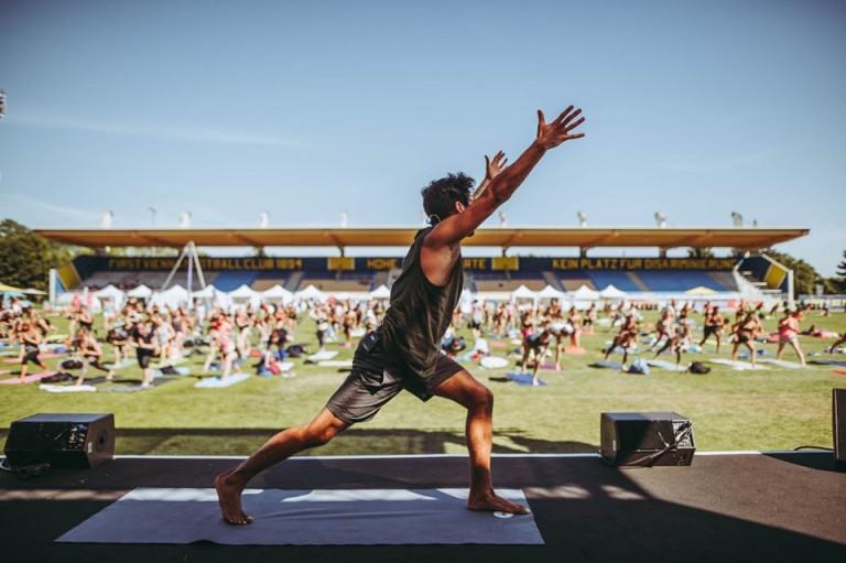 Täglich gratis live Yoga Stunden mit Marcel