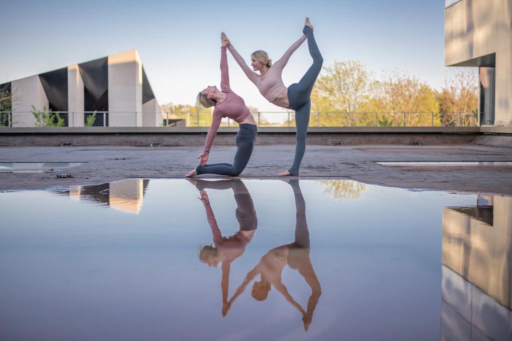 Mutter Tochter Yoga