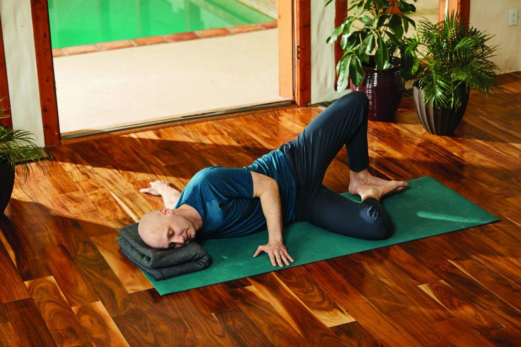 Offener Flügel: Josh Summers Yin Yoga