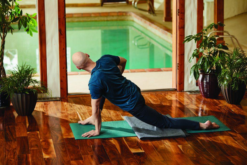 gedrehter Drache: Josh Summers Yin Yoga
