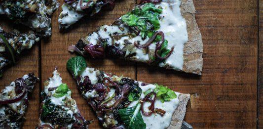 Flora Fink Regionalpizza grün-weiß