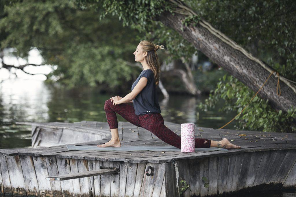 Yoga & myofasziale Selbstmassage Iliopsoas. Tiefer Ausfallschritt: Anjaneyasana