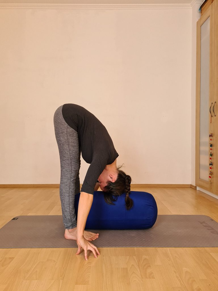Yoga bei Long Covid Uttanasana